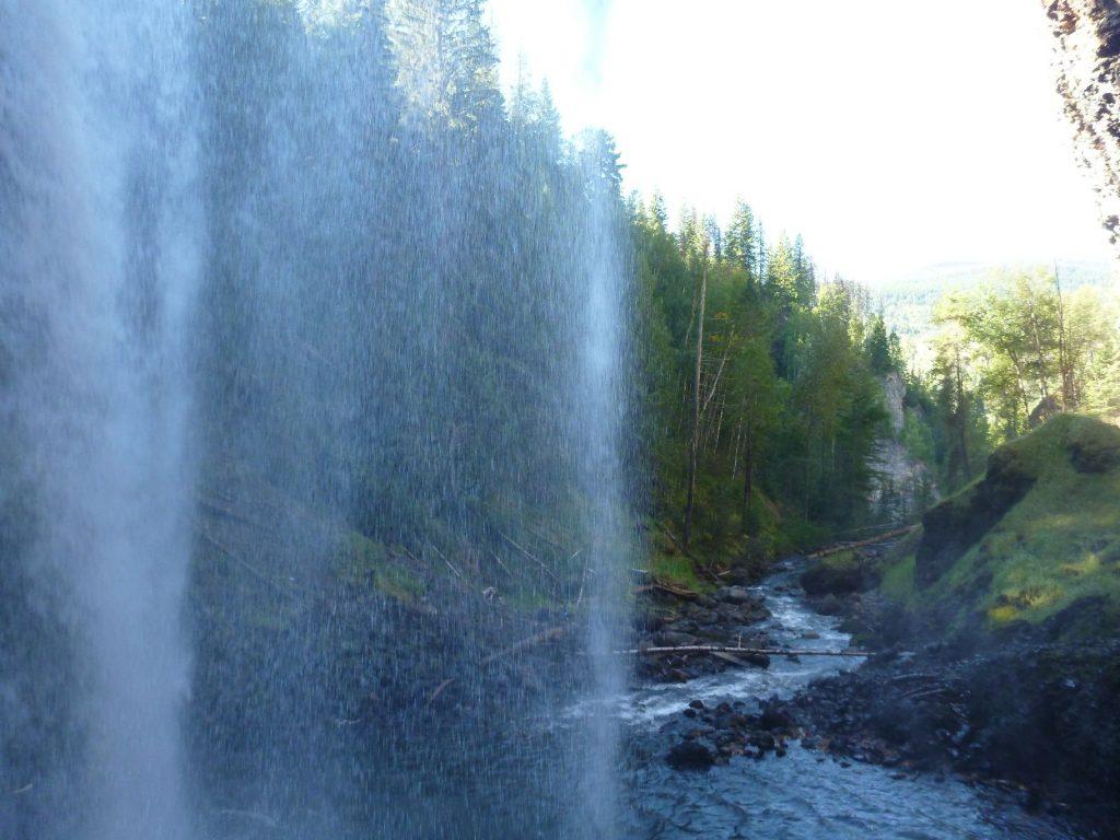 424 Moul Falls von dahinter