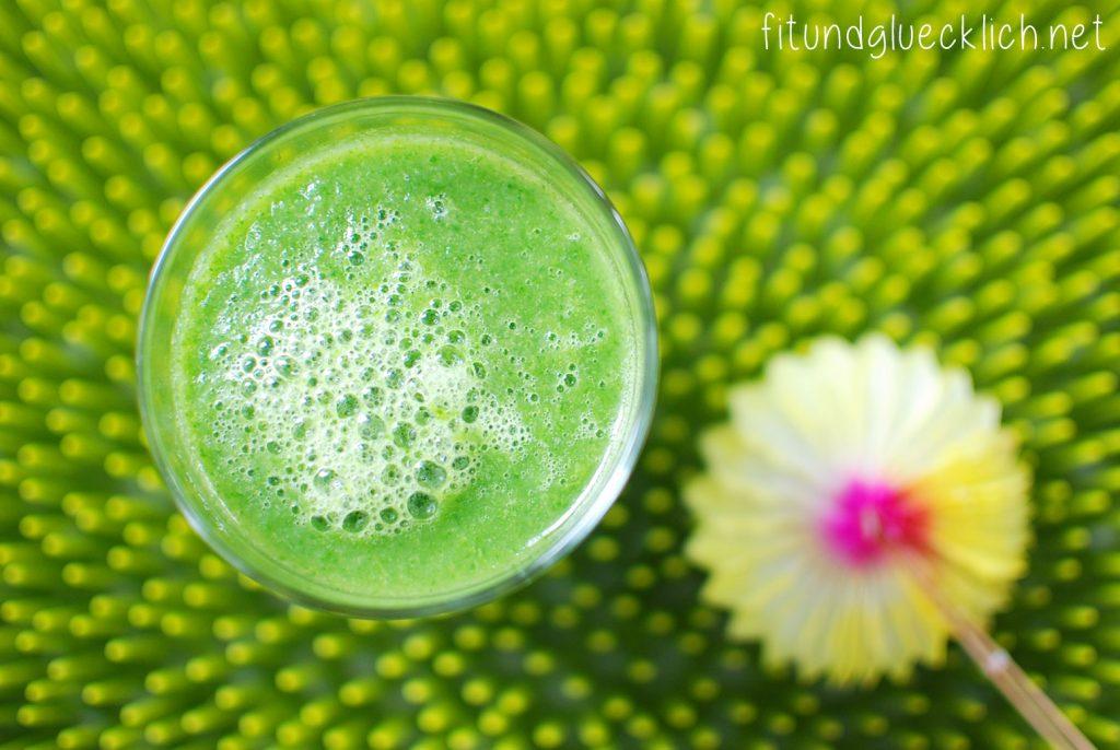 green smoothie, immune booster, clean eating, fitundgluecklich.net
