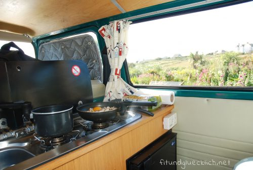 Campervan-Cooking-3