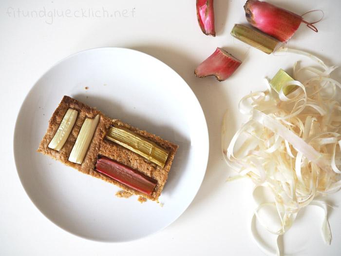 Rhabarber-Spargel-Blechkuchen